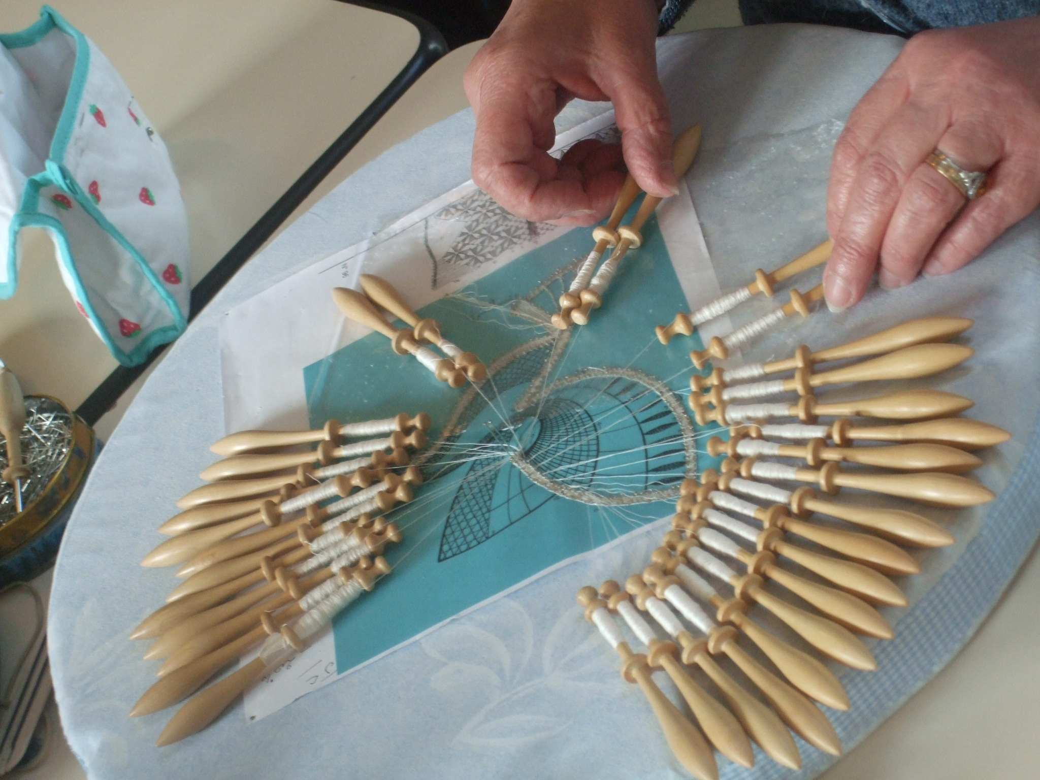 Atelier Dentelles aux fuseaux et broderie blanche